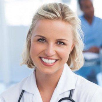 Anzeige für Schönheitschirurgen